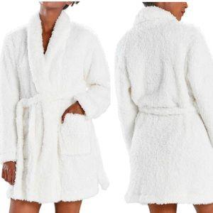 NWT Natori Plush Ivory White Short Eyelash Robe M
